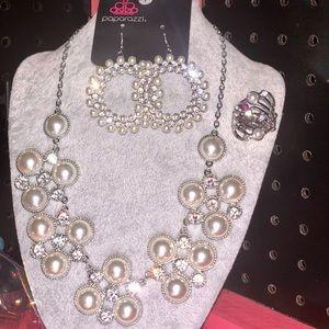 Pure elegance (5) pieces